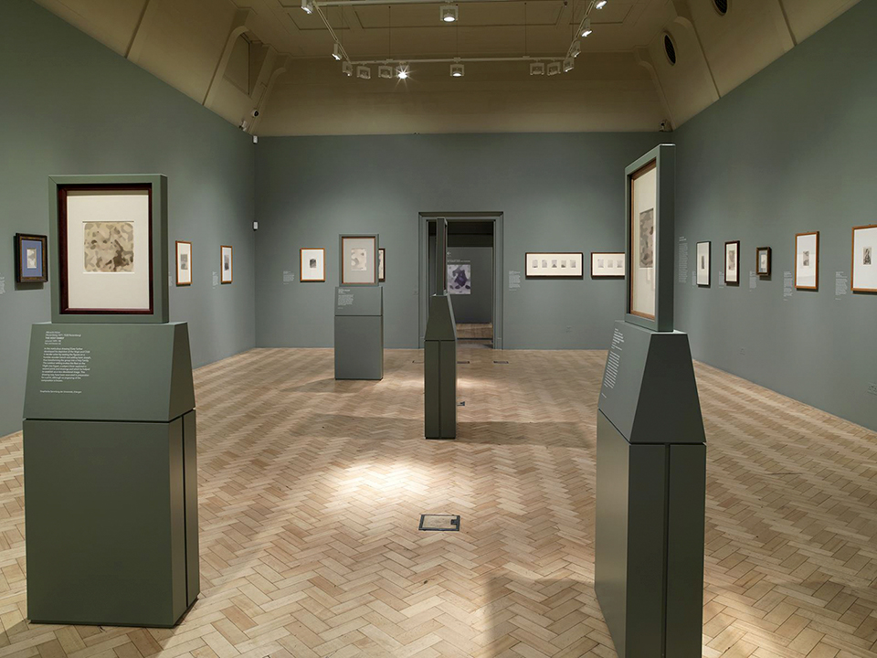 Photograph of plinths for double-sided drawings, Dürer exhibition, Courtauld Gallery, London